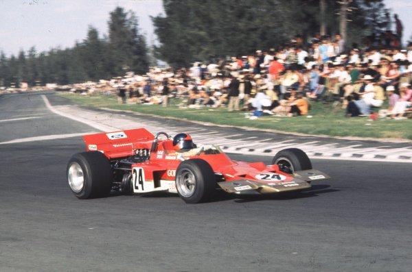 1970 Mexican Grand Prix.Mexico City, Mexico.23-25 October 1970.Emerson Fittipaldi (Lotus 72C Ford).Ref-70 MEX 08.World Copyright - LAT Photographic