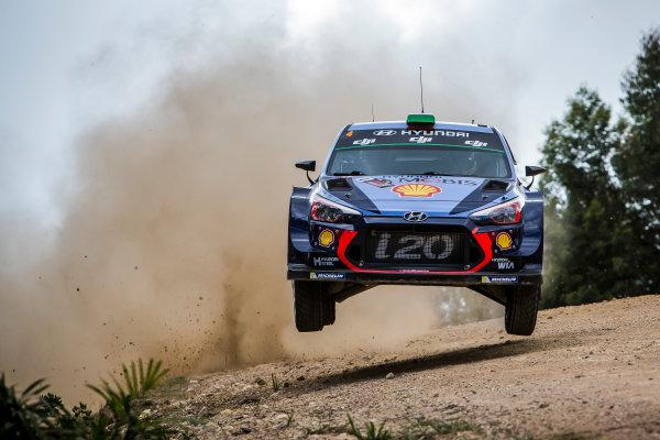 2017 FIA World Rally Championship, Round 13, Rally Australia 2017, 16-19 November 2017, Hayden Paddon, Hyundai, action, Worldwide Copyright: LAT/McKlein