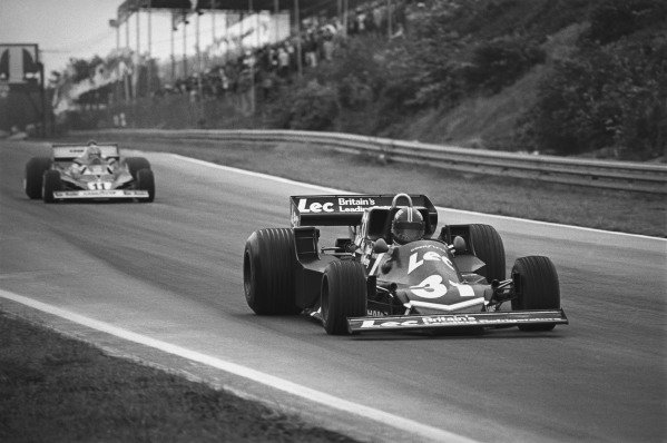 Zolder, Belgium. 3rd -7 David Purley (LEC CRP1-Ford), 13th position, leads Niki Lauda (Ferrari 312T2), 2nd position, action. World Copyright:c Ref:  9957 - 28-28A.