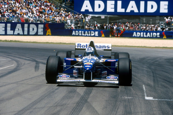 Adelaide, Australia. 10-12 November 1995. David Coulthard, Williams FW17B Renault, retired, action. Ref-95 AUS 56 World Copyright - LAT Photographic