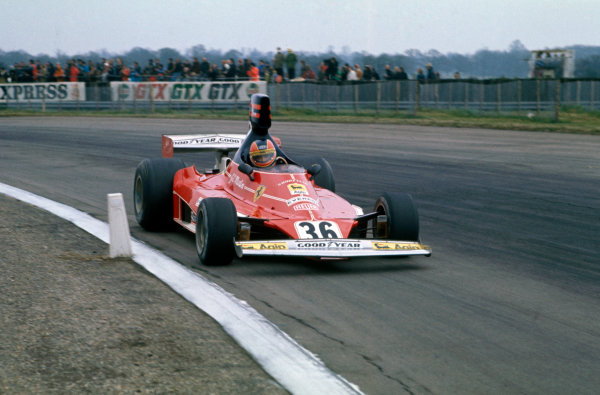 Silverstone, Great Britain. 11th April 1976. Giancarlo Martini (Ferrari 312T), 10th position, action.  World Copyright: LAT Photographic. Ref:  76 INT 11.