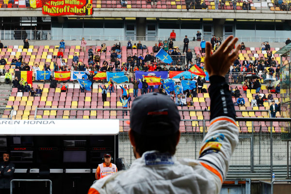Shanghai International Circuit, Shanghai, China.  Friday 07 April 2017. Fernando Alonso, McLaren, waves to the crowd. World Copyright: Steven Tee/LAT Images ref: Digital Image _R3I2455