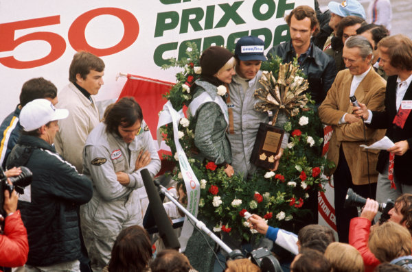 Mosport Park, Ontario, Canada.21-23 September 1973.Peter Revson (McLaren M23 Ford) 1st position, podiumRef-73 CAN 13.World Copyright - LAT Photographic