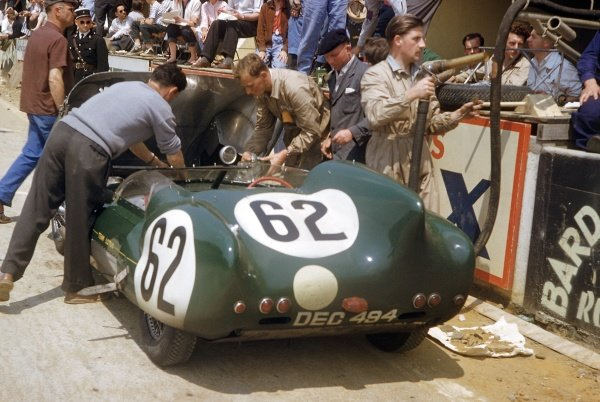 1957 Le Mans 24 hours. Le Mans, France. 22-23 June 1957. Herbert MacKay-Fraser/Jay Chamberlain (Lotus 11-Climax), 9th position. World Copyright: LAT Photographic Ref: 57LM18