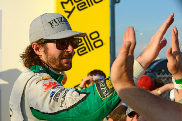 Verizon IndyCar Series Iowa Corn 300 Iowa Speedway, Newton, IA USA Sunday 9 July 2017 JR Hildebrand, Ed Carpenter Racing Chevrolet high 5's some fans in Victory Lane. World Copyright: F. Peirce Williams LAT Images