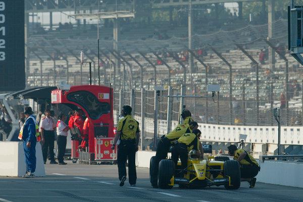2002 American Grand Prix.Indianapolis, Indiana, USA. 27-29 September 2002.Giancarlo Fisichella (Jordan EJ12 Honda) in the pit lane.World Copyright - LAT Photographicref: Digital File Only