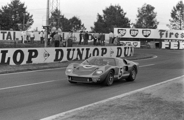 Ronnie Bucknum / Richard Hutcherson, Holman & Moody, Ford Mk II.