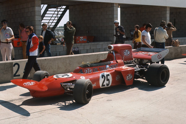 1971 United States Grand Prix.  Watkins Glen, New York, USA. 1st-3rd October 1971.  Ronnie Peterson's March 711 Ford in the pits.  Ref: 71USA21. World Copyright: LAT Photographic