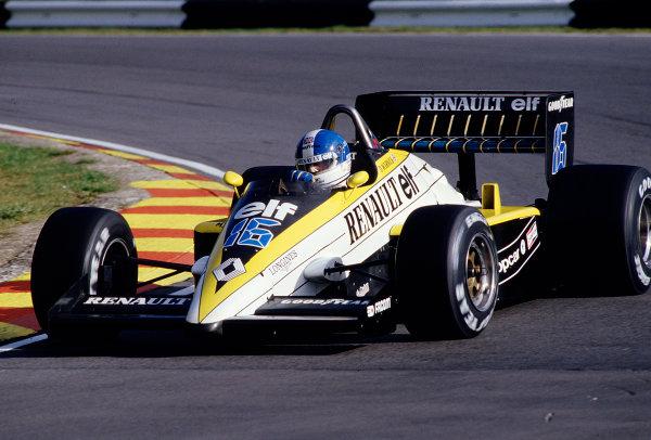 1985 European Grand Prix.Brands Hatch, England.4-6 October 1985.Derek Warwick (Renault RE60B).  Ref: 85EUR43. World Copyright - LAT Photographic
