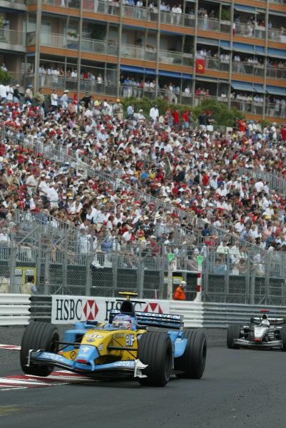 2003 Monaco Grand Prix, Sunday Race,Monte Carlo, Monaco.1st June 2003.Jarno Trulli, Renault R23, action.World Copyright LAt Photographic.Digital Image Only.