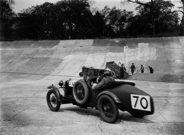Brooklands, England. May 1930. A.F.P. Agabeg/G.A.C.H. Black (Salmson), action. World Copyright: LAT Photographic. Ref: Autocar Glass Plate Red7765
