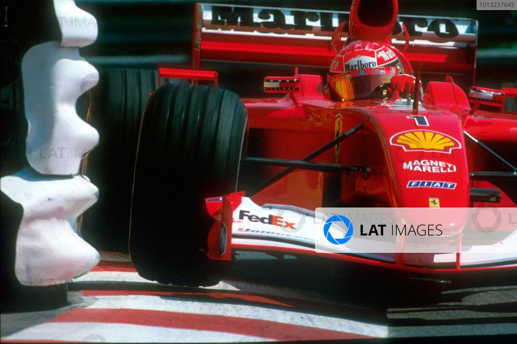 Monte Carlo, Monaco. 29th May 2001. Michael Schumacher, Ferrari F2001.World Copyright: Martyn Elford/LAT Photographic ref: 35mm Priority Image 01MON04