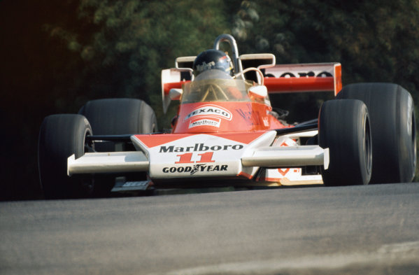 Mosport Park, Ontario, Canada. 1st - 3rd October 1976. James Hunt (McLaren M23-Ford), 1st position, action.  World Copyright: LAT Photographic.  Ref:  76 CAN 15.
