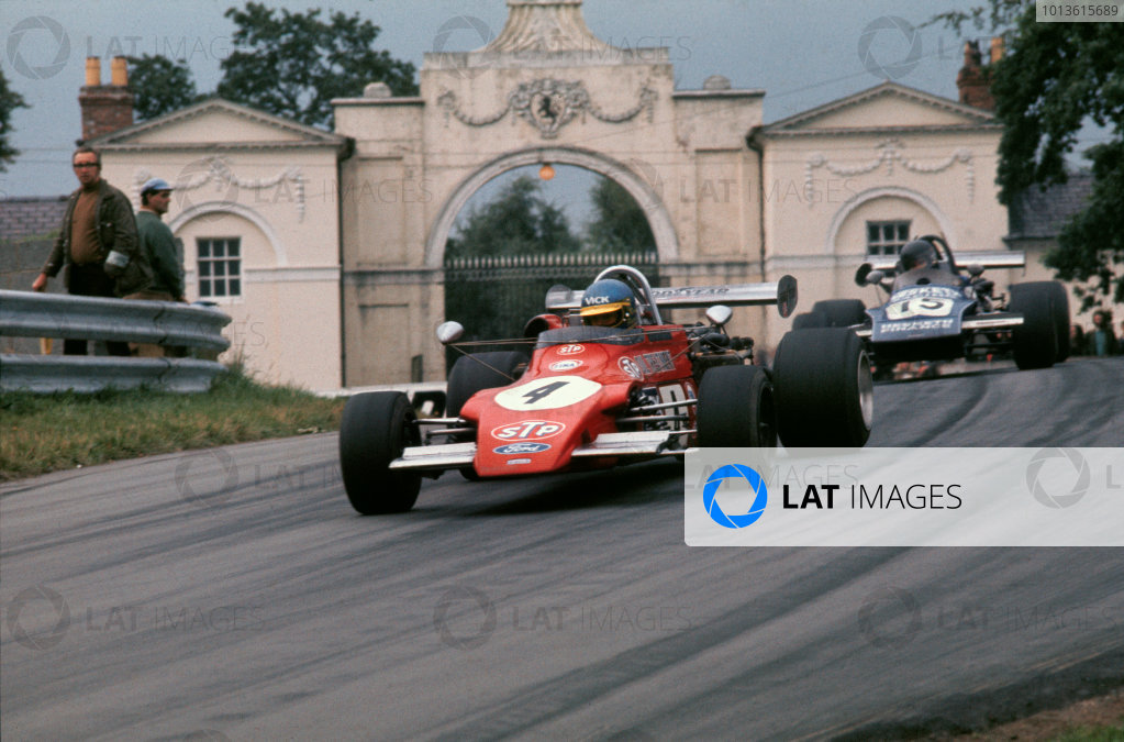 Oulton Park, England. 16th September 1972.Ronnie Peterson (March 722 - Ford BDA), 1st position, leads James Hunt (March 712M - Ford BDA), 3rd position, action. World Copyright: LAT Photographic.Ref:  72BF202