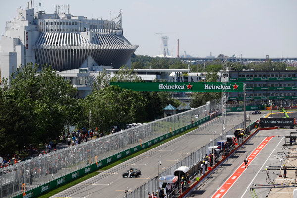 Circuit Gilles Villeneuve, Montreal, Canada. Sunday 11 June 2017. Lewis Hamilton, Mercedes F1 W08 EQ Power+, leads on the pit straight. World Copyright: Steven Tee/LAT Images ref: Digital Image _O3I9910