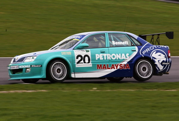 Phil Bennett (GBR) was testing the new PSP Proton Impian.British Touring Car Media Day, Brands Hatch, England.19 March 2002.