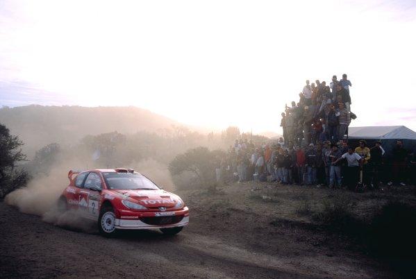 2003 World Rally ChampionshipRally Argentina, Cordoba, Argentina, 7th - 11th May 2003.Richard Burns/Robert Reid (Peugeot 206 WRC), action.World Copyright: LAT Photographicref: 03WRCArg11