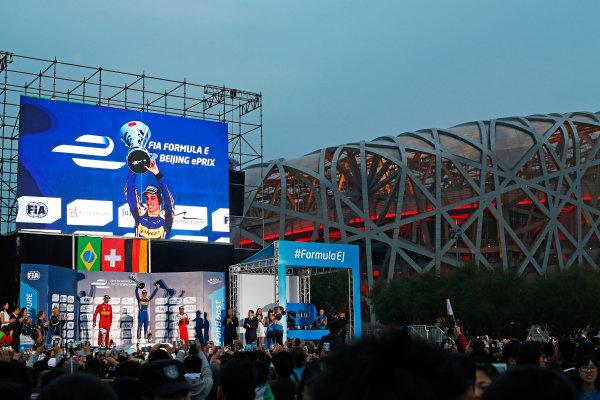 FIA Formula E Championship 2015/16. Beijing ePrix, Beijing, China. Sebastien Buemi (SUI), Renault e.Dams Z.E.15, Lucas Di Grassi (BRA), ABT Audi Sport FE01 & Nick Heidfeld (GER), Mahindra Racing M2ELECTRO  Race Beijing, China, Asia. Saturday 24 October 2015 Photo: Sam Bloxham / LAT / FE ref: Digital Image _SBL7901