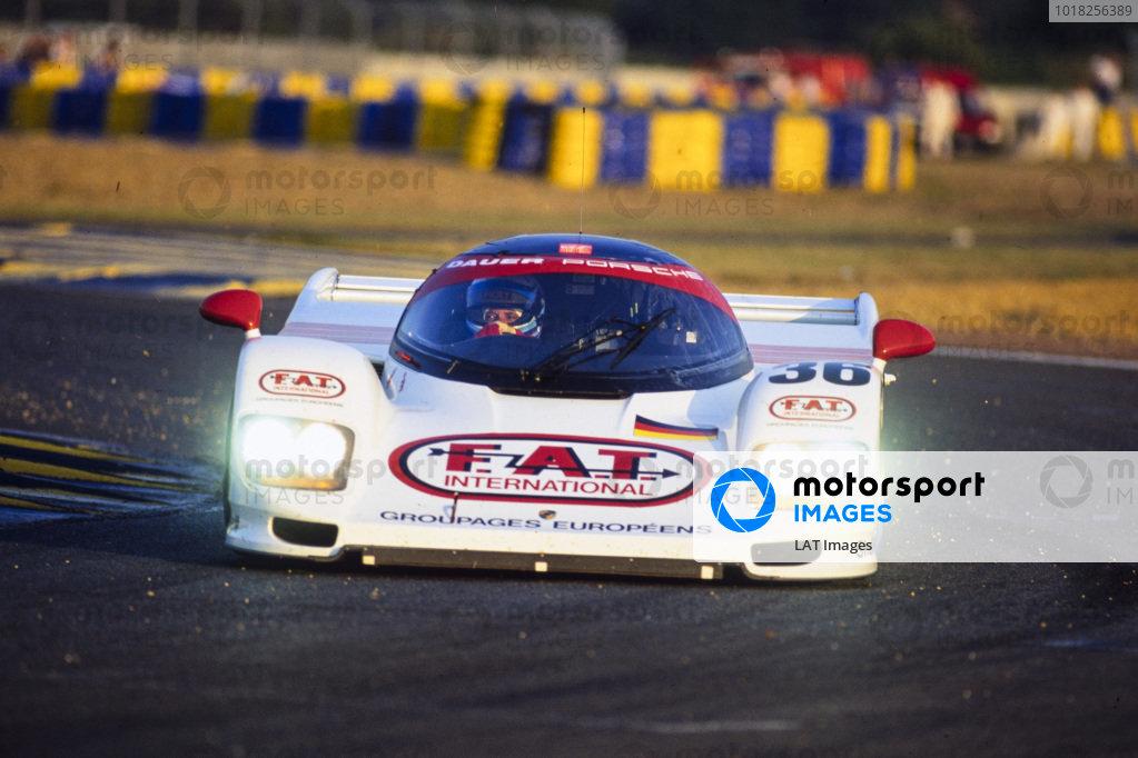 Yannick Dalmas / Hurley Haywood / Mauro Baldi, Le Mans Porsche Team, Dauer Porsche 962 GT LM - Porsche 935/82.