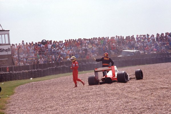 1989 British Grand Prix.Silverstone, England.14-16 July 1989.Ayrton Senna (McLaren MP4/5 Honda) retires from the race after a gearbox failure spins him off into the gravel trap.Ref-89 GB 16.World Copyright - LAT Photographic