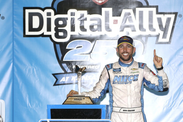 #45: Ross Chastain, Niece Motorsports, Chevrolet Silverado TruNorth/Paul Jr. Designs celebrates in victory lane
