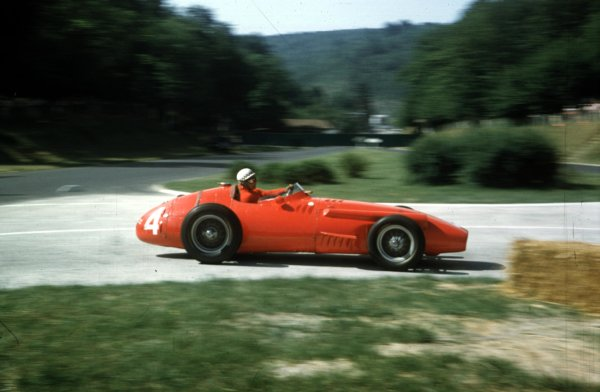 1957 French Grand Prix.Rouen-Les-Essarts, France.5-7 July 1957.Jean Behra (Maserati 250F) 6th position.Ref-57 FRA 09.World copyright: LAT Photographic
