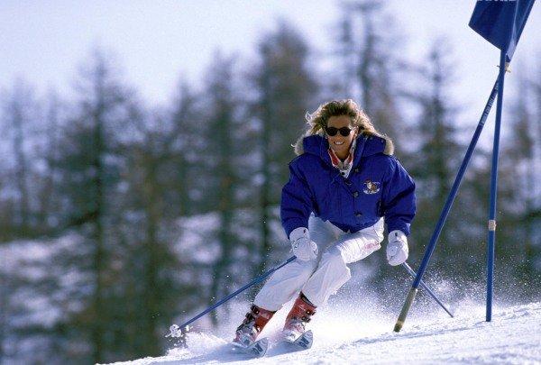 Sestriere, Italy. 1989. Susi Patrese descends a ski slope