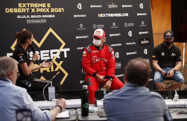 Carlos Sainz (ESP), Acciona   Sainz XE Team with Sebastien Loeb (FRA), X44 and Julia Fry communication manager.