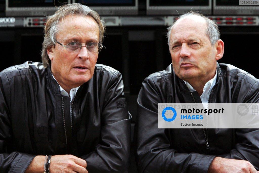 (L to R): Mansour Ojjeh (KSA) with Ron Dennis (GBR) McLaren Team Principal. Formula One World Championship, Rd 18, Brazilian Grand Prix, Practice Day, Interlagos, Brazil, 20 October 2006. DIGITAL IMAGE