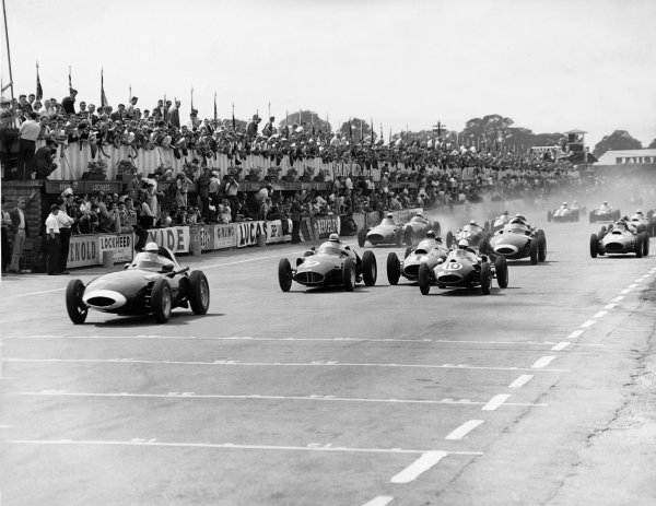 Silverstone, England. 17th - 19th July 1958.Stirling Moss (Vanwall VW10), retired, leads at the start of the race, action.World Copyright: LAT PhotographicRef: Autocar Used Pic 25th July 1958 Pg 110-111.