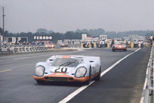 Le Mans, France. 13 - 14 June 1970 Jo Siffert/Brian Redman (Porsche 917K), retired, action. World Copyright: LAT PhotographicRef: 70LM15