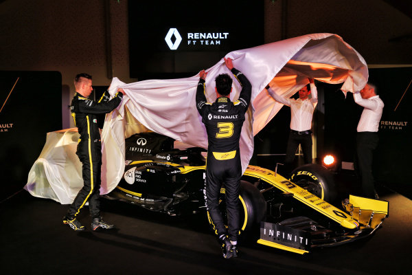 Nico Hulkenberg, Renault Sport F1 Team, Remi Taffin, Head of Renault Sport F1 Track Operations, Nick Chester, Renault Sport F1 Team Technical Director and Daniel Ricciardo, Renault Sport F1 Team unveil the new Renault Sport F1 Team R.S. 19