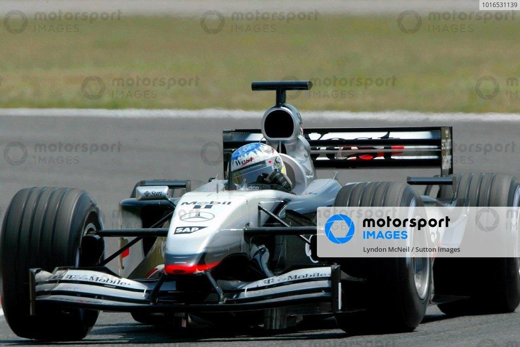 Alex Wurz (AUT) Mclaren Mercedes MP4-17Formula One Testing, Barcelona, Spain, 25 June 2002.