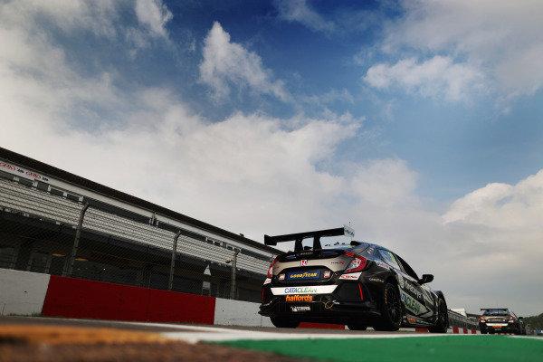 Daniel Rowbottom (GBR) - Team Dynamics Honda Civic Type
