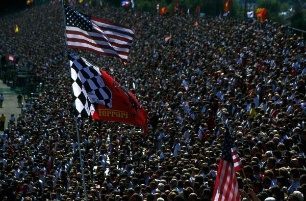 The American crowds flocked back to Indianapolis after the success of the Grand Prix last year. United States Grand Prix, Indianapolis, 30 September 2001 BEST IMAGE