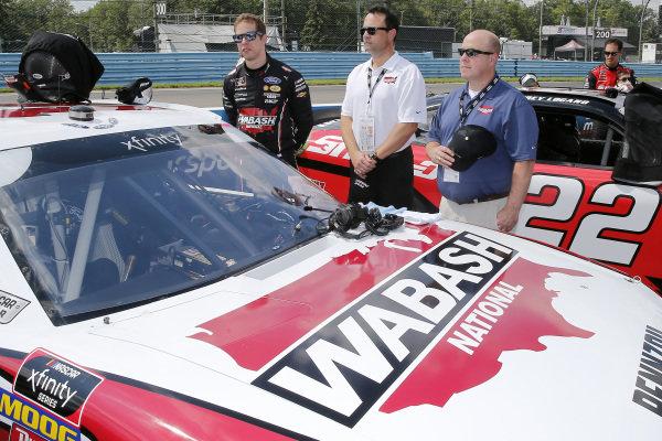 #12: Brad Keselowski, Team Penske, Ford Mustang Wabash National and guests