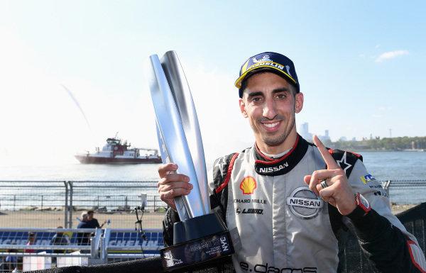 Race winner Sébastien Buemi (CHE), Nissan e.Dams celebrates after the race