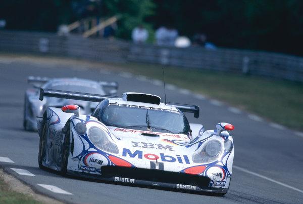 Le Mans, France. 6th - 7th June 1998. Allan McNish/Laurent Aiello/Stephane Ortelli (Porsche 911 GT1-98) 1st position, action. World Copyright: LAT Photographic. Ref: 98LM