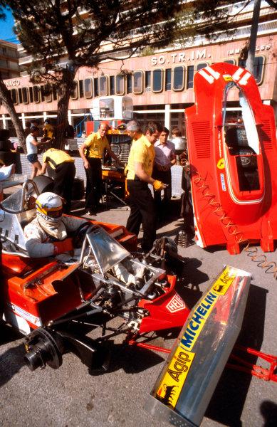 1979 Monaco Grand Prix. Monte Carlo, Monaco. 24-27 May 1979. Jody Scheckter waits in his Ferrari 312T4 while the mechanics get to work. Ref-79 MON 24. World Copyright - LAT Photographic