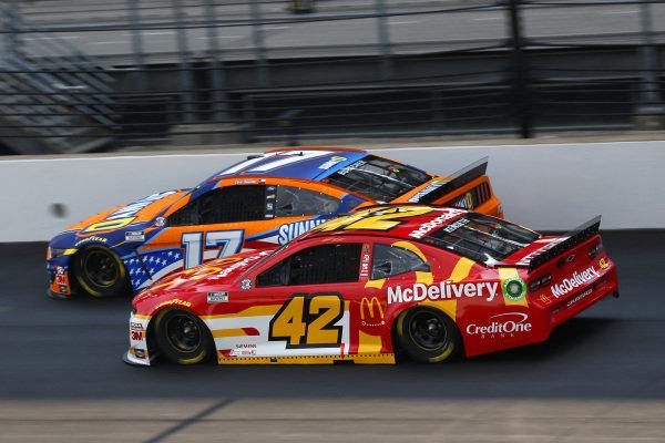 #17: Chris Buescher, Roush Fenway Racing, Ford Mustang SunnyD, #42: Matt Kenseth, Chip Ganassi Racing, Chevrolet Camaro McDelivery