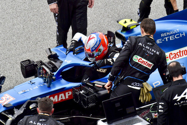 Esteban Ocon, Alpine F1, on the grid