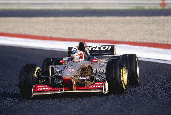 1996 Portuguese Grand Prix.Estoril, Portugal. 20-22 September 1996.Rubens Barrichello (Jordan 196 Peugeot).Ref-96 POR 24.World Copyright - LAT Photographic