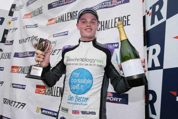 2017 Ginetta GT5 Championship Rockingham, England. 29th-30th April 2017, Ollie Wilkinson Ginetta GT5 World copyright. JEP/LAT Images