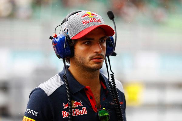 Sepang International Circuit, Sepang, Malaysia. Friday 29 September 2017. Carlos Sainz Jr, Toro Rosso.  World Copyright: Steven Tee/LAT Images  ref: Digital Image _R3I2633
