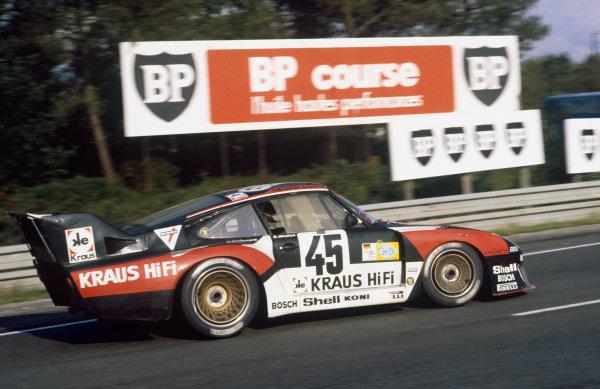 1980 Le Mans 24 Hours. Le Mans, France. 14th - 15th June 1980. Bob Wollek / Helmut Kelleners (Porsche 935), retired, action  World Copyright: LAT Photographic. Ref: 80LM22.