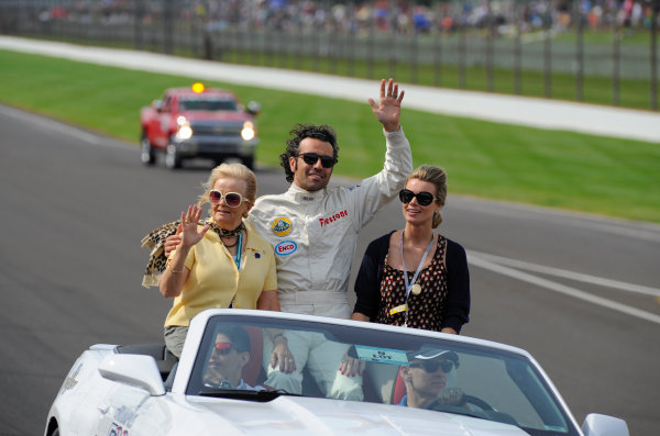 24 May, 2015, Indianapolis, Indiana, USA Retired winner Dario Franchitti in a pre-race parade in drivers suit commemorating the 50th anniversary of Jim Clark's 500 win.  ©2015, Geoffrey M. Miller LAT Photo USA