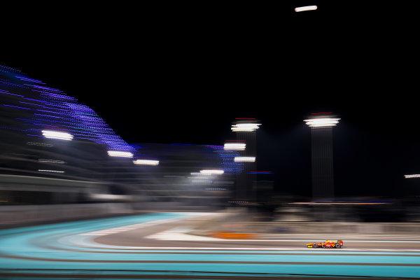 2017 FIA Formula 2 Test 3. Yas Marina Circuit, Abu Dhabi, United Arab Emirates. Saturday 2 December 2017. Thiago Vivacqua (BRA, Racing Engineering).  Photo: Zak Mauger/FIA Formula 2. ref: Digital Image _56I0149
