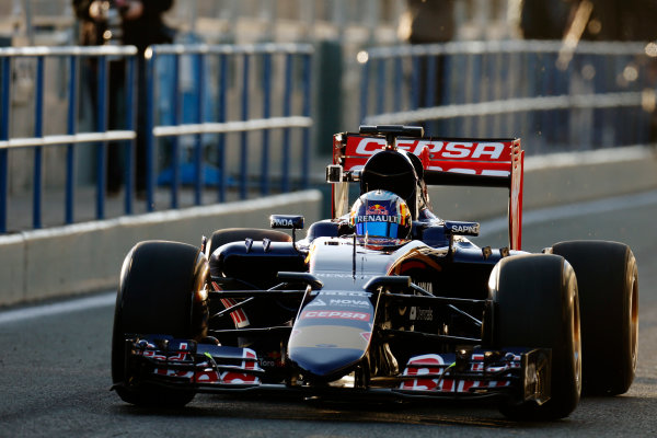 2015 F1 Pre Season Test 1 - Day 1 Circuito de Jerez, Jerez, Spain. Sunday 01 February 2015. Carlos Sainz Jr, Toro Rosso STR10 Renault. World Copyright: Alastair Staley/LAT Photographic. ref: Digital Image _79P8545