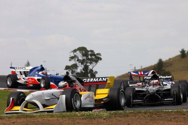 04.02 2007 Eastern Creek, Australia, Nico Hülkenberg, Driver of A1Team Germany leads Jonny Reid, Driver of A1Team New Zealand - A1GP World Cup of Motorsport 2006/07, Round 7, Eastern Creek, Sunday Race 1 - Copyright A1GP - Free for editorial usage