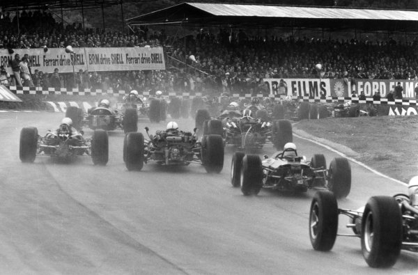 1966 British Grand Prix.Brands Hatch, Great Britain. 16 July 1966.Jack Brabham, Brabham BT19-Repco, 1st position, leads at the start, action.World Copyright: LAT Photographic